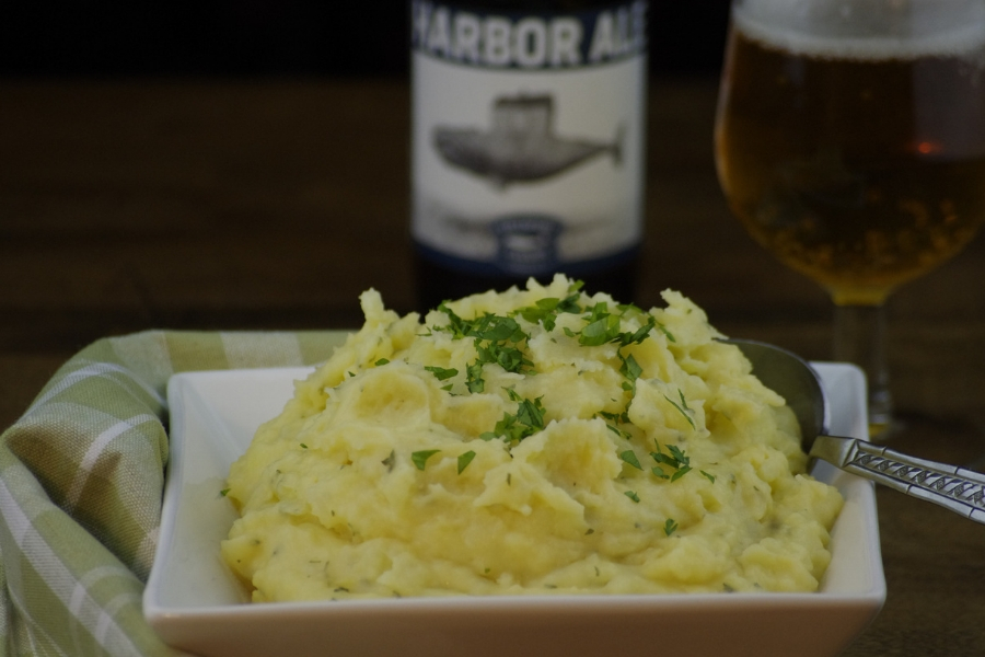 9 Ways to Beerify Your Thanksgiving Dinner: Beer Cheese Mashed Potatoes